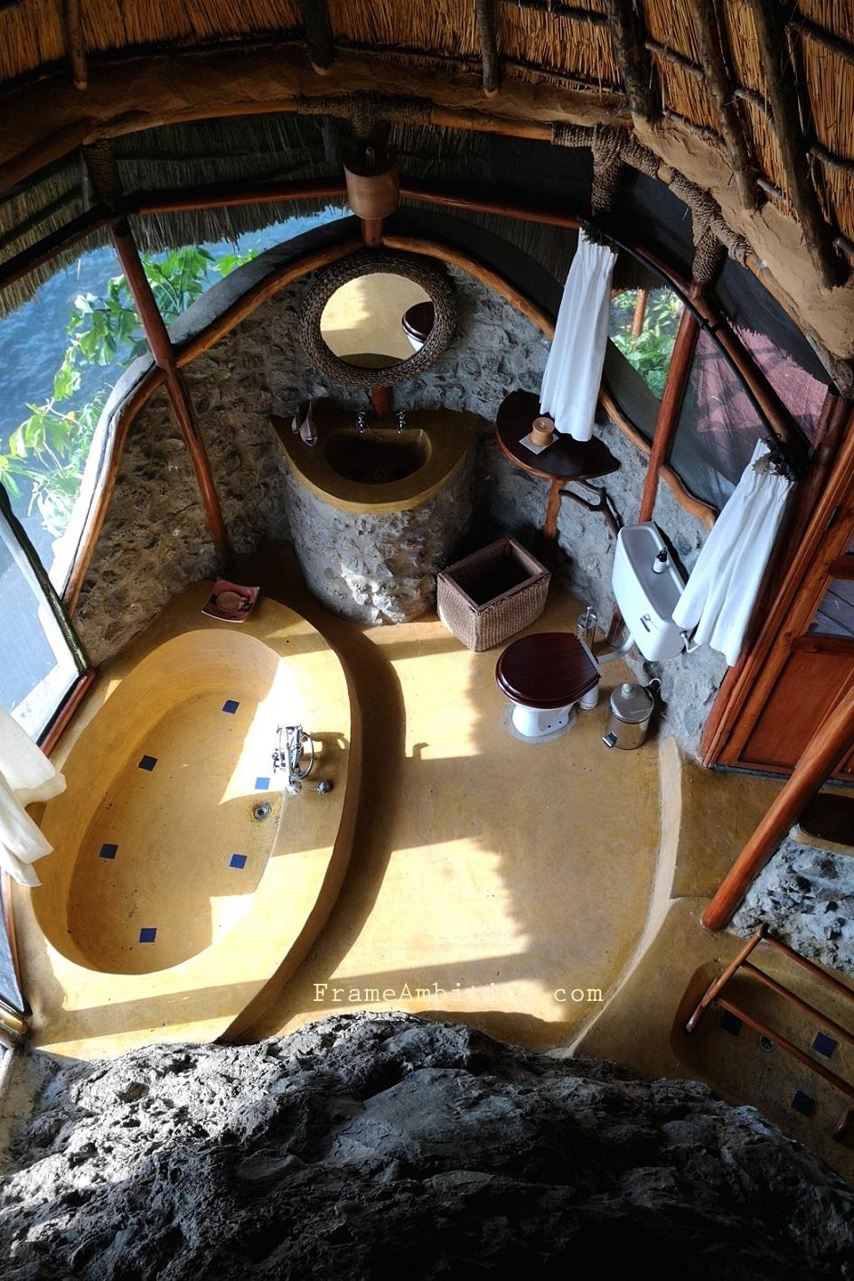 governors-camp-suite-bathroom.jpg