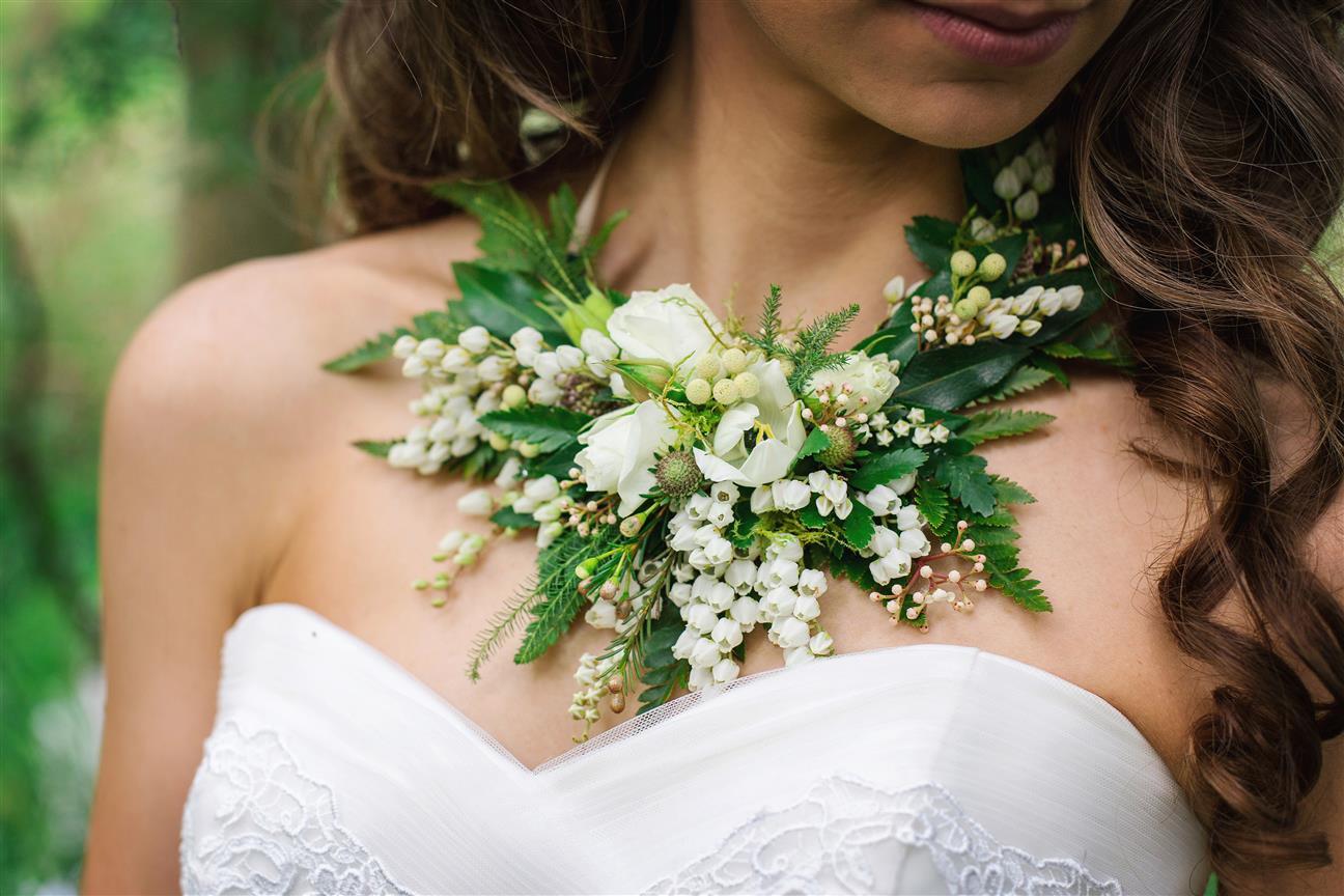 flower necklace.jpg