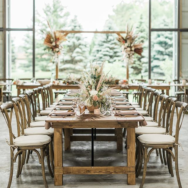 Flipping a ceremony space ➡️ reception: a serious labor of love but always so, so worth it. 😍 If you have found a space you love for BOTH your ceremony and dinner, why not make it work for the entire event? When Emily and Griffin saw the gorgeous architecture of the barn at @boxedandburlap with the stunning nature views behind, it was a no brainer: they were using the same space for the entire party. 😍 Flipping a space is also no joke, though. It took a team of over TEN people, working their tails off for 40 minutes, and LOTS of coordination and planning to make this a reality. Bottom line - if you're flipping, you NEED a planner, and a really solid team to achieve the dream!  Photos by @mkujphoto