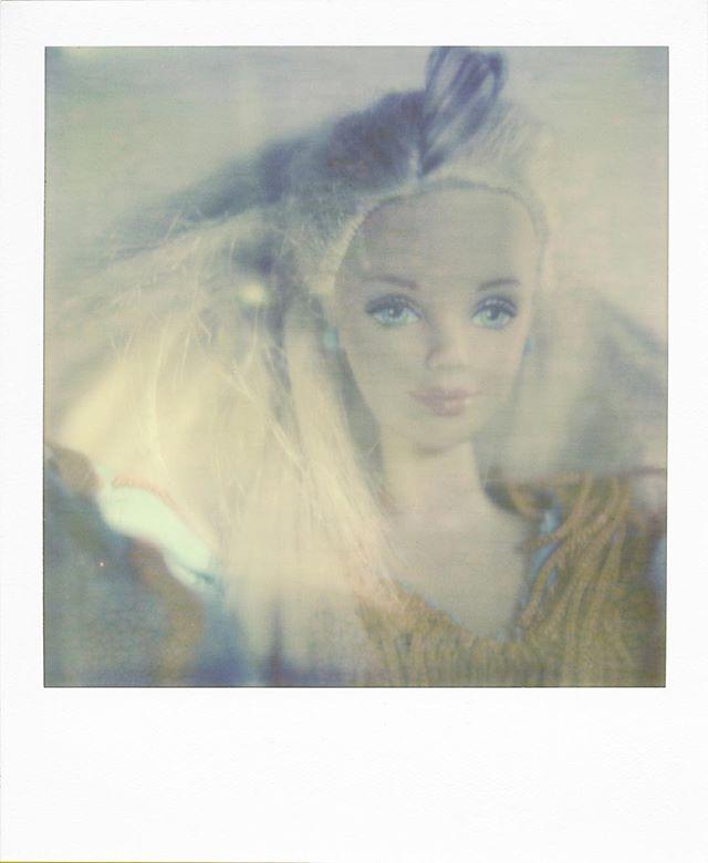 TINY LIGHT #rrrdiaz #hylasmag #polaroidoriginals  #polaroid #polavoid #instantfilm #polaroidisnotdead #filmisnotdead #polagraph #polaroidoftheday #fashion