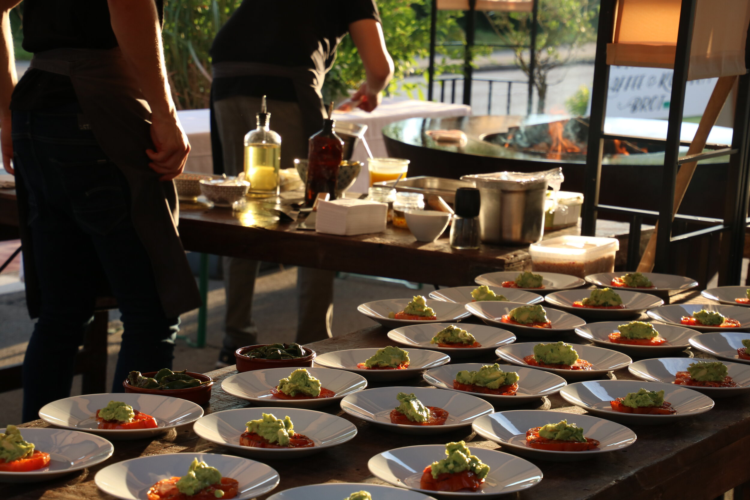 Das Miller`s Catering - Das Miller`s Catering, so einzigartig wie Ihre Feier. Ob im eigenen Garten, bei uns im Restaurant oder an jeder anderen Location - wir kümmern uns um Ihre Wünsche. In Verbindung mit unserer Erfahrung und der großen Leidenschaft für das, was wir tun, gelingt es uns, dass Catering, Service oder Veranstaltungskonzept perfekt zueinander passen. Ob BBQ, Pizza aus dem Holzofen, Fingerfood Buffet oder Gänge Menu a la Carte - wir sorgen für einen besonderen Abend.Gerne stellen wir Ihnen Ihr persönliches Angebot zusammenIhr Miller`s Team um Maria