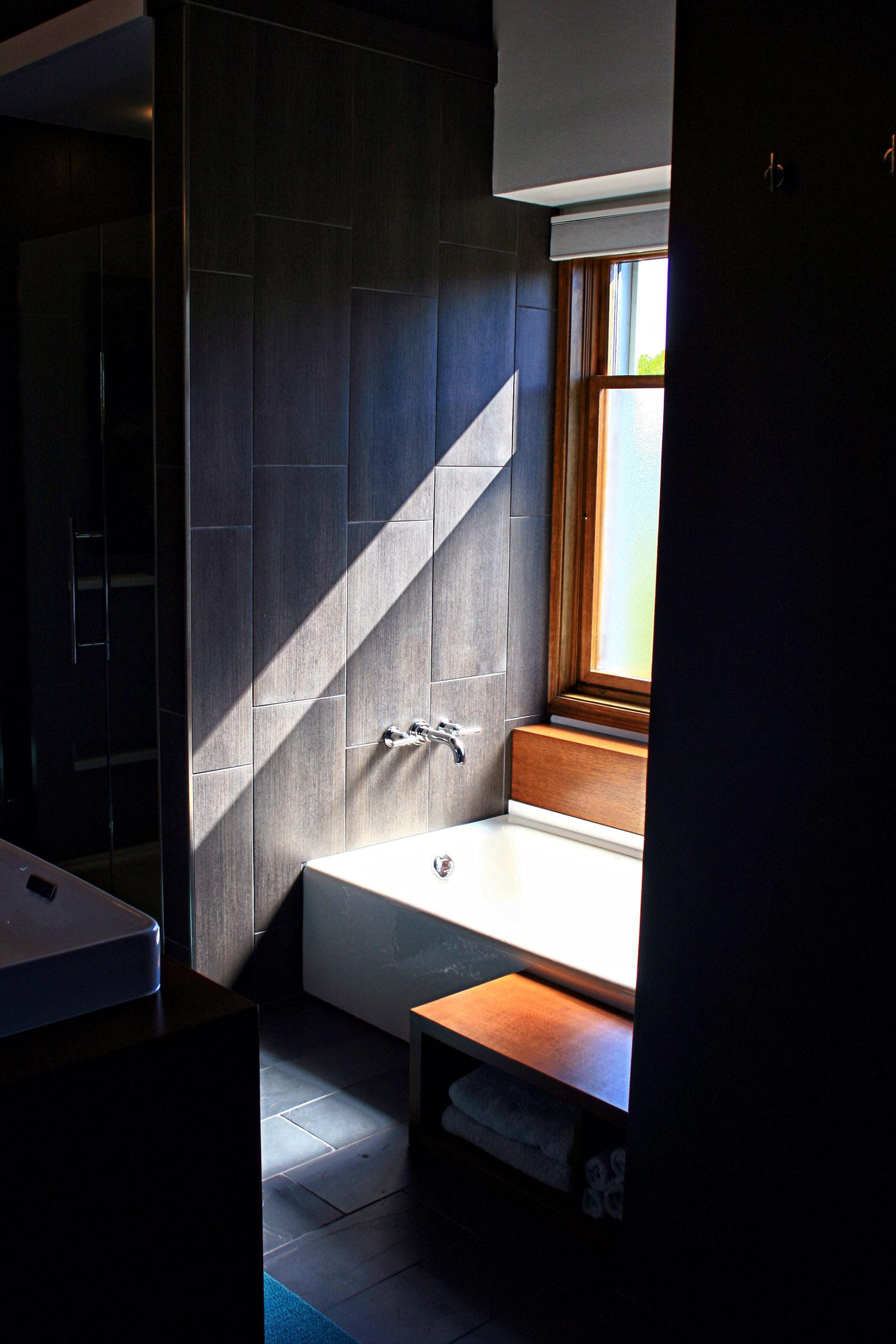 4 masterbath entry view of tub.jpg