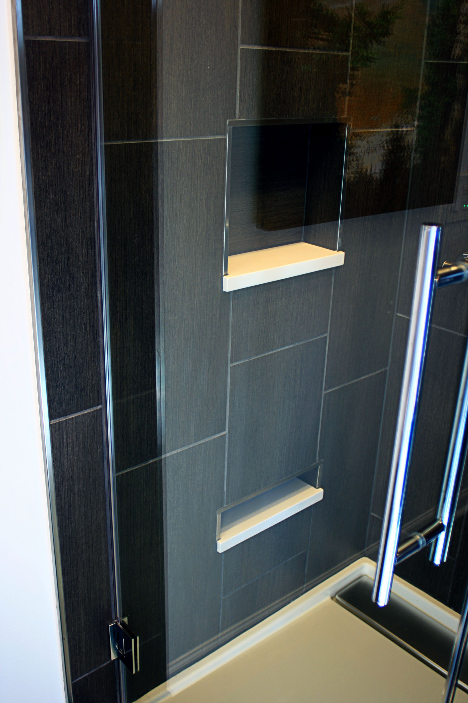 12 masterbath view of shower niches.jpg