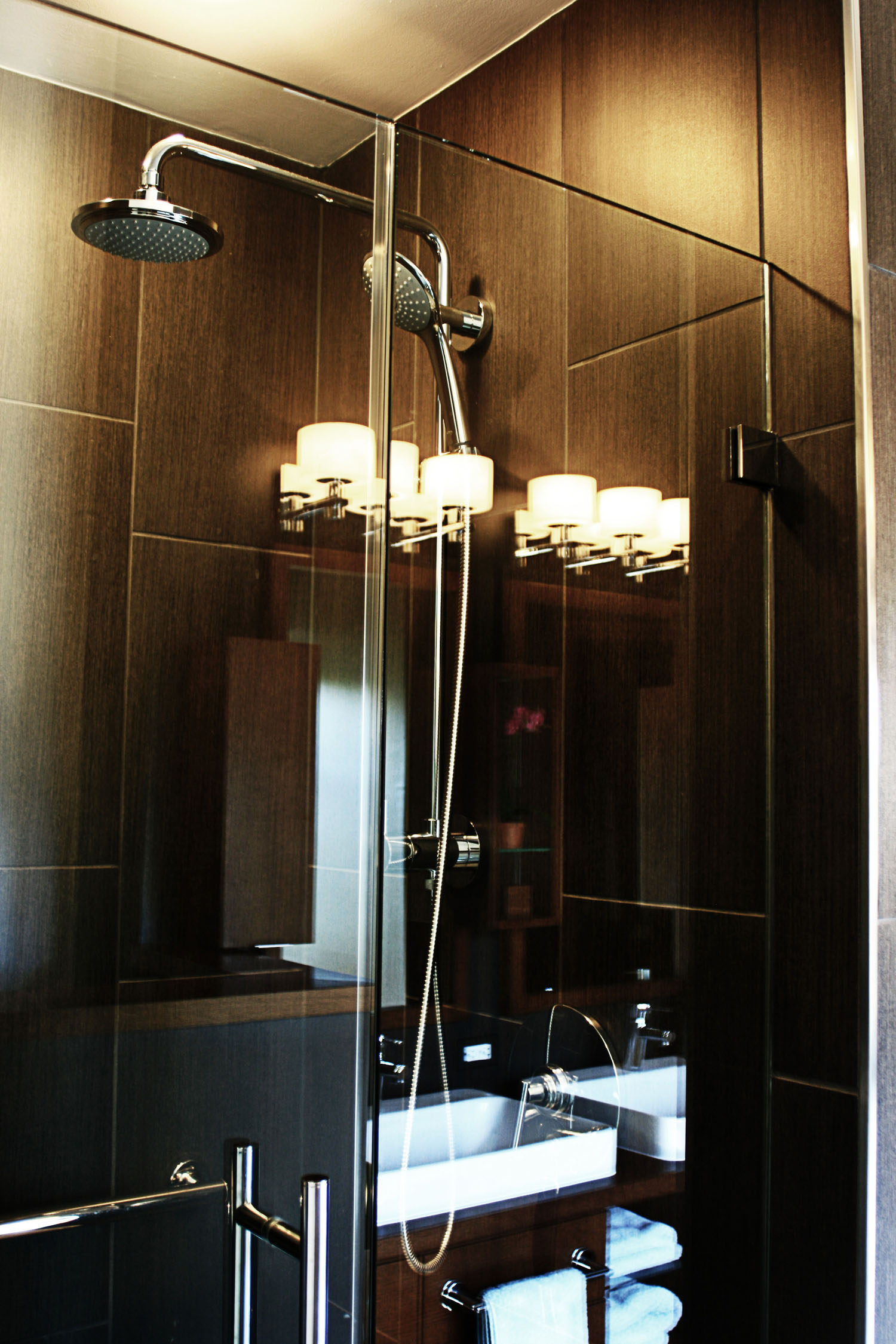 13 masterbath view of shower.jpg