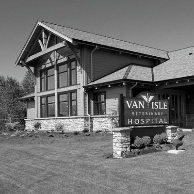 van-isle-veterinary-hospital-bw-small.jpg