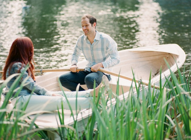 5-row-boat-engagement-photos-34.jpg