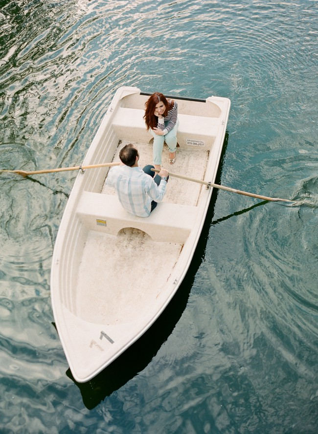 9-row-boat-engagement-photos-31.jpg