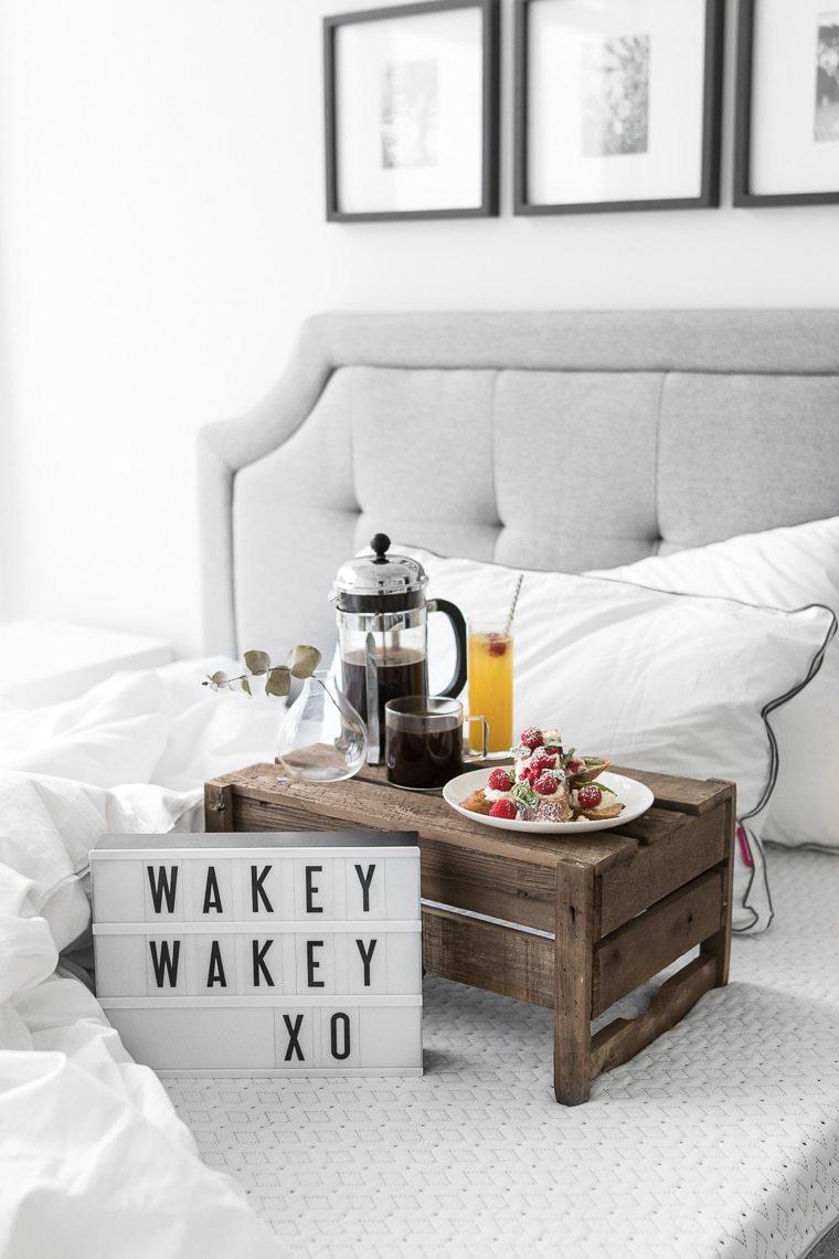 Endy-Breakfast-in-Bed-Tray-on-bed (1).jpg