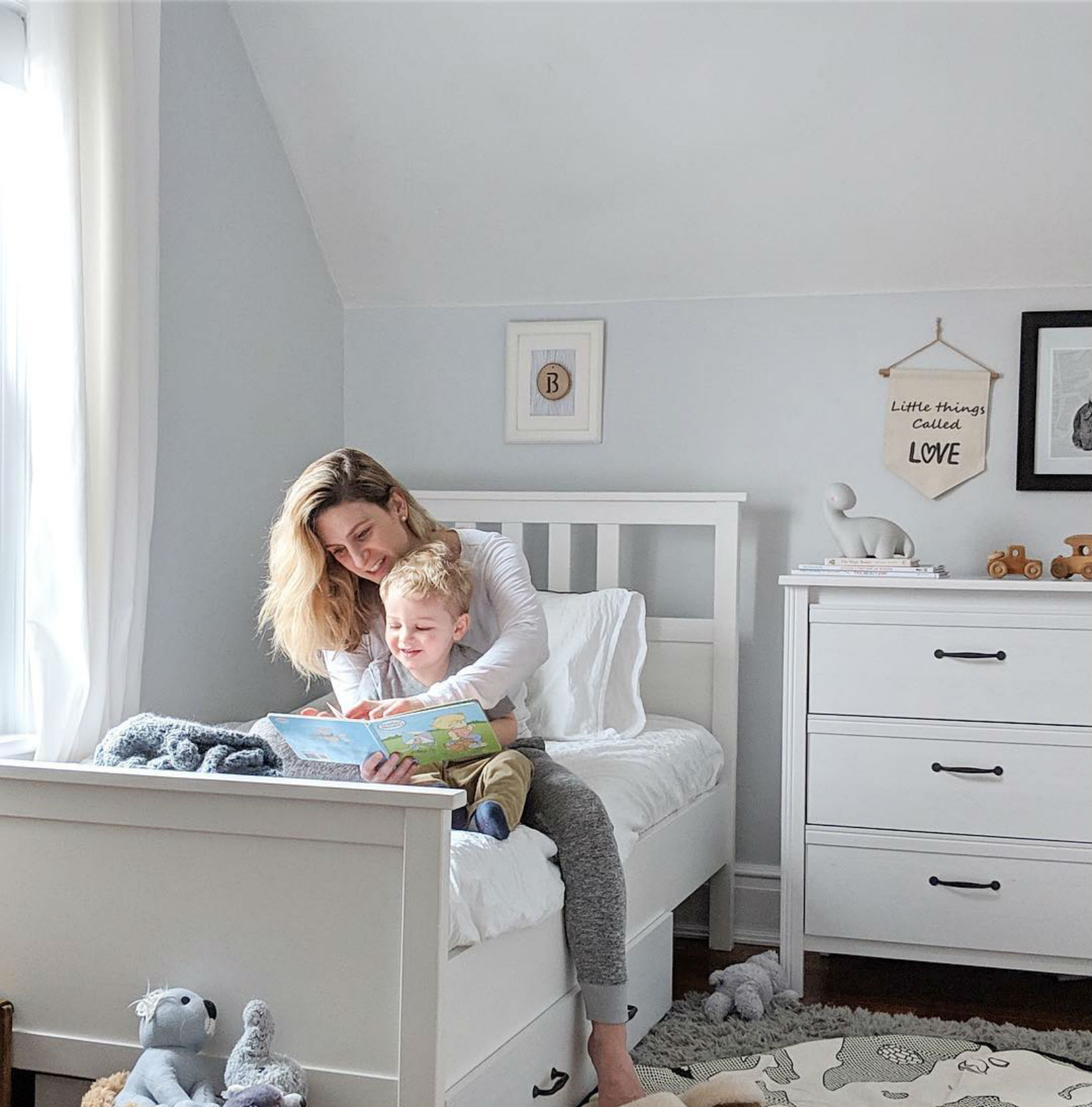 """Vanessa Falsetti - Instagram: @josephineacreativelifeVanessa is a Toronto lifestyle blogger, freelance writer, teacher, and a mother of three. Her blog centres on celebrating simple and creative living, plus creating a space where amazing stories can be shared.""""I also am so happy that the boys are getting a great nights sleep in their new big boy beds with mattress from @endy. After we tried an @endymattress , we really wanted the boys to enjoy a set as well. Let's just say that when they want us to sleep with them if they've had a nightmare it's a whole lot more comfortable now!"""""""