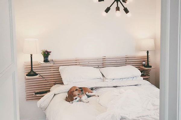 Attach a wooden headboard like this one by  @isaacjohn48  and you get breathability, pattern, and whole lot of style.