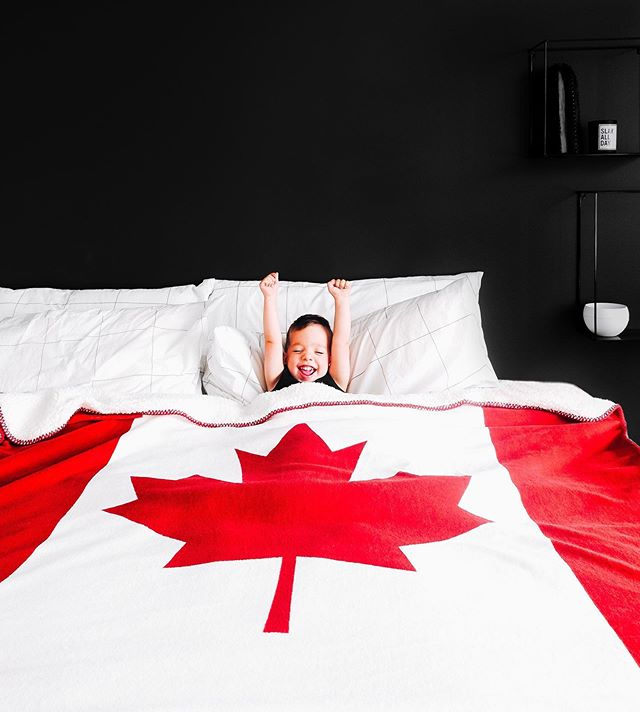 Hands up if you're sleeping in this Canada Day long weekend? 🙌 I 📸c/o: @london.kade⠀ .⠀ Where's great sleep taking you this long weekend? We're celebrating the Canada Day long weekend with our biggest sale. Save $65 off any sized Endy mattress till July 3rd! Shop now! #linkinbio