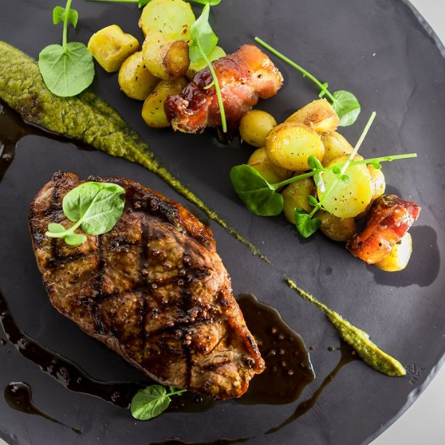 Mosaic Grille & Bar - Specializing in farm-to-table meals, this sleek, modern restaurant at the Hyatt Regency is a must-try.655 Burrard St.