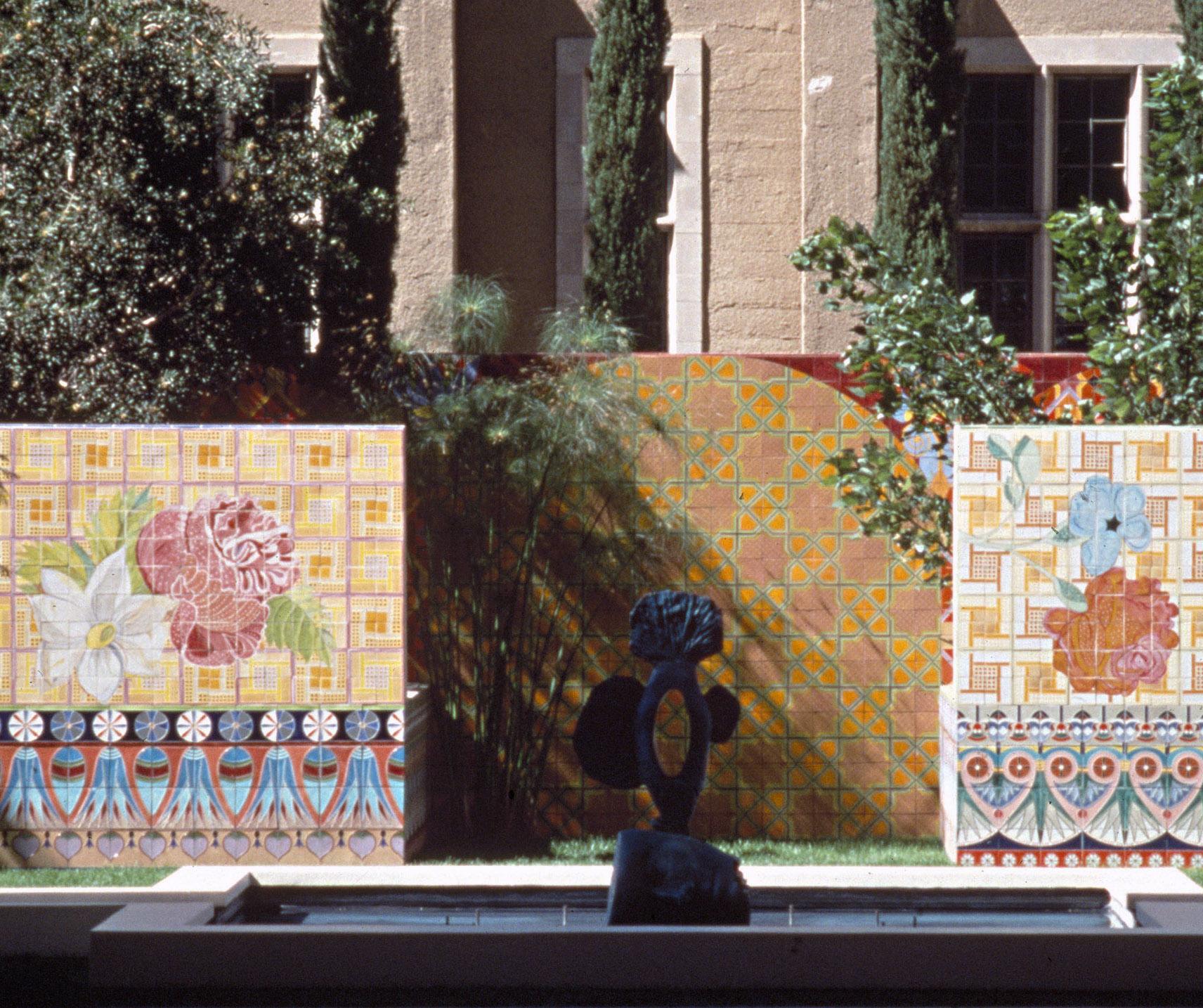 1990 Plaza las Fuentes, Pasadena