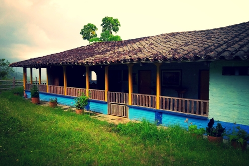 Main house at Finca Gaia: Buga, Valle del Cauca