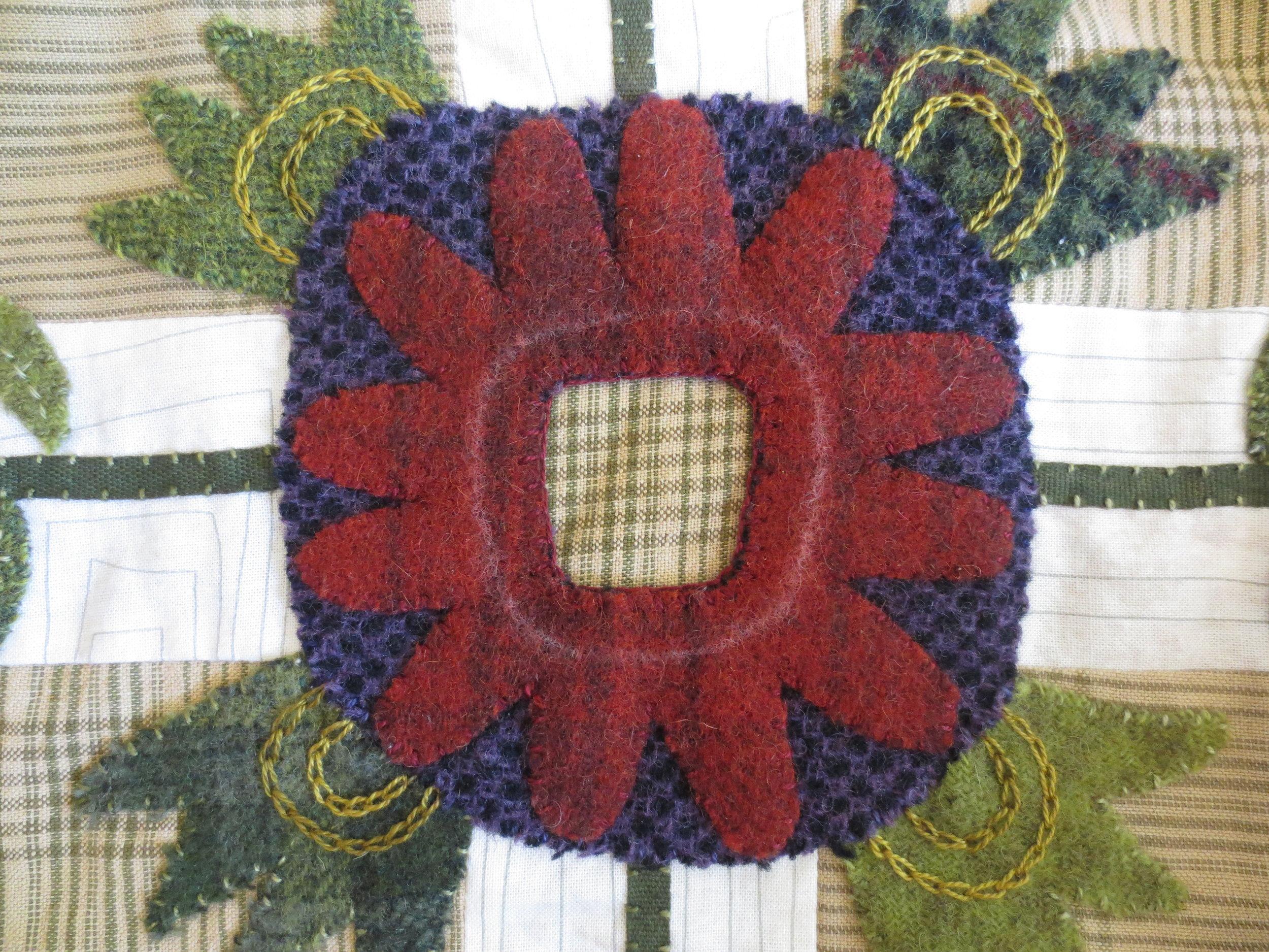 Flowers From My Garden Center Applique eskimo edged stitch1.jpg
