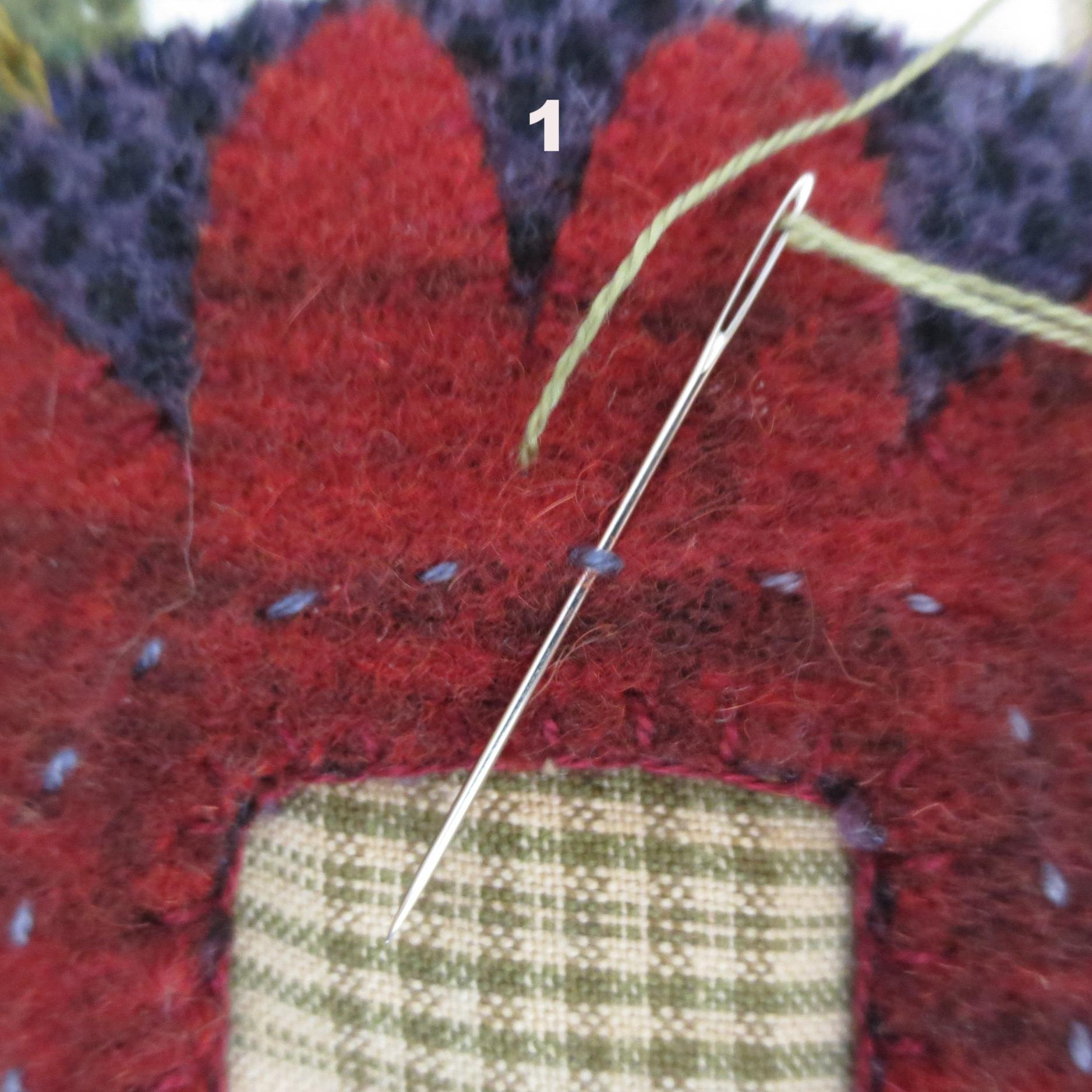 Flowers From My Garden Center Applique eskimo edged stitch3.jpg