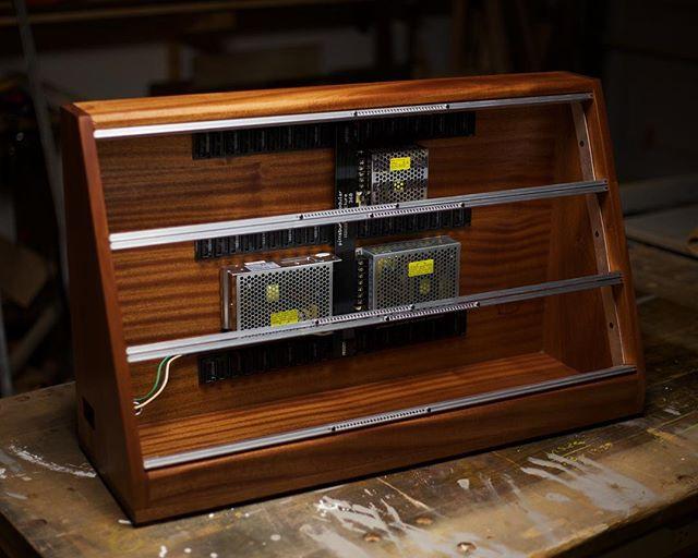 A mahogany modular eurorack enclosure 👌🏻