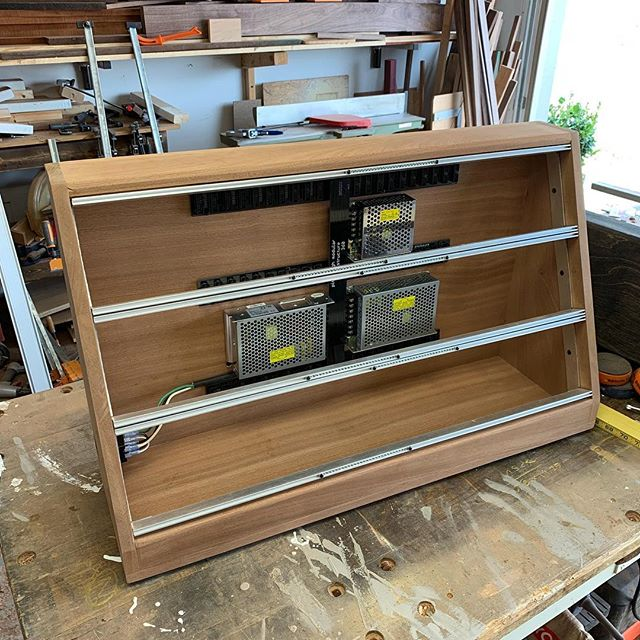 Slowly making progress on this mahogany modular eurorack enclosure. All hardware fits (!!!) and now it's time to take it all off to focus on final sanding and finishing.