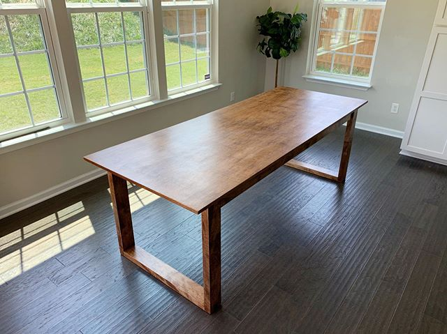 Just a couple more photos of the complete table. Dining tables, coffee tables, end tables, sofa tables, other kinds of tables; I can make tables. Let me make something for you.  #woodworking #handmade #handcrafted #custombuilt #yeahthatgreenville #woodshop #workshop #sheffieldwoodshop #maple #maplehardwood #hardwood #diningtable #handmadediningtable #handcrafteddiningtable #hardwork #hustle #mapletable #maplediningtable #minwaxstain #earlyamericanstain #minwaxearlyamerican