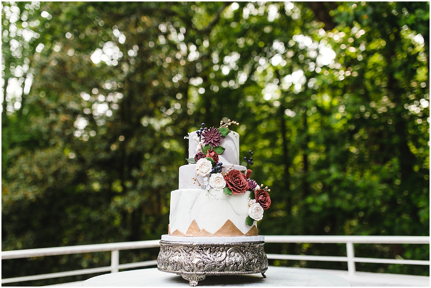 swan coach house wedding cake