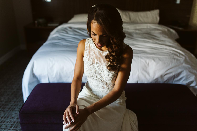 glam bride getting ready for dc wedding