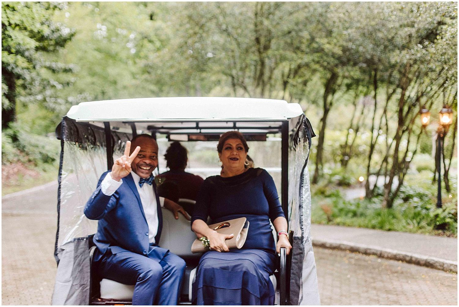 groom mom and dad