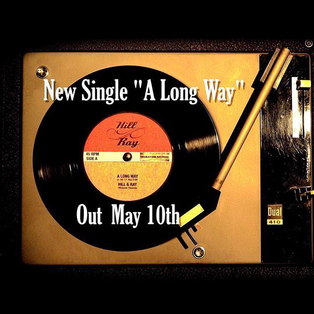 Bald können wir euch endlich unsere neue Single präsentieren. 😃 Wer an diesem Samstag zu unserem Konzert kommt, kriegt sogar schon vorher die Liveversion serviert
