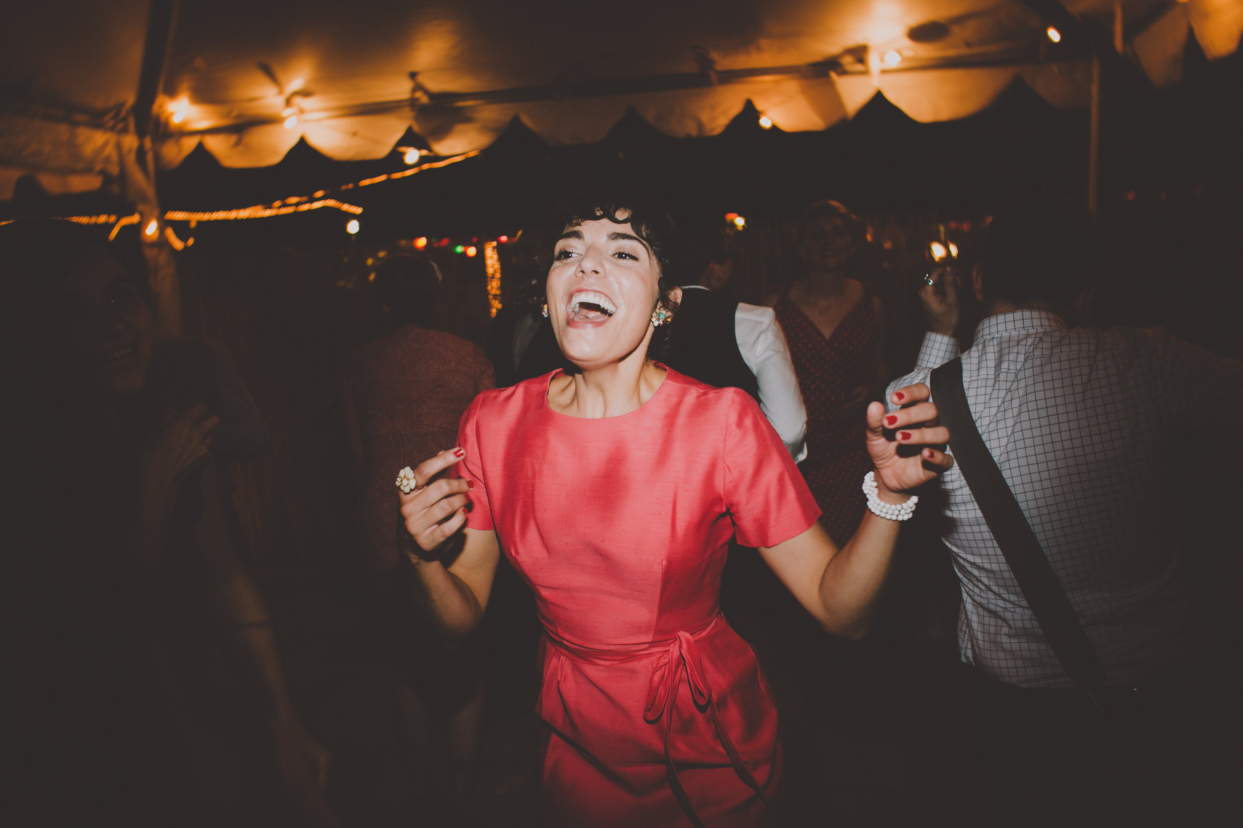 Robertas_Bushwick_Wedding_Tiki_Photography375.JPG