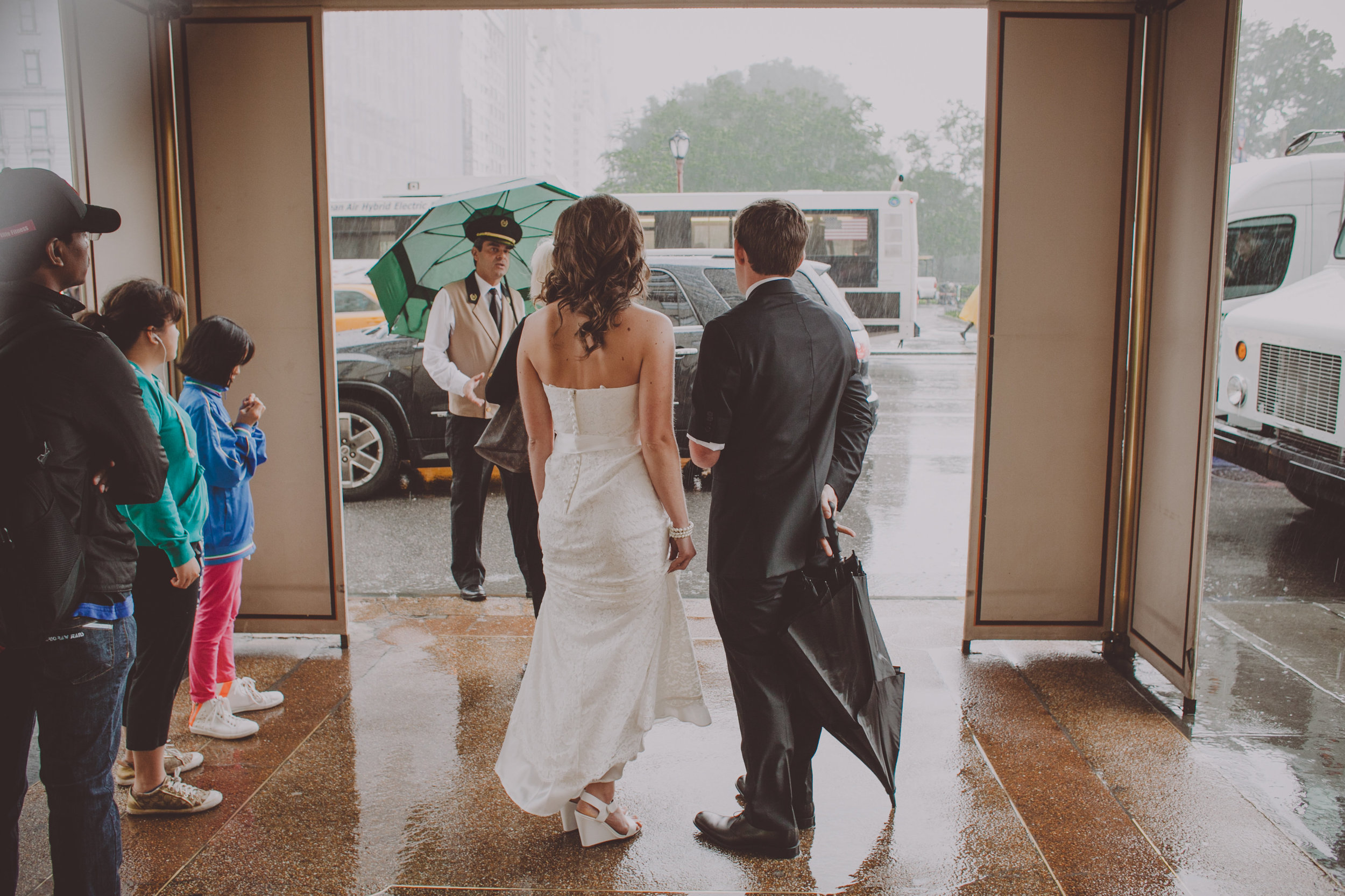 Central_Park_Rainy_Wedding_NYC_E420lopement.JPG