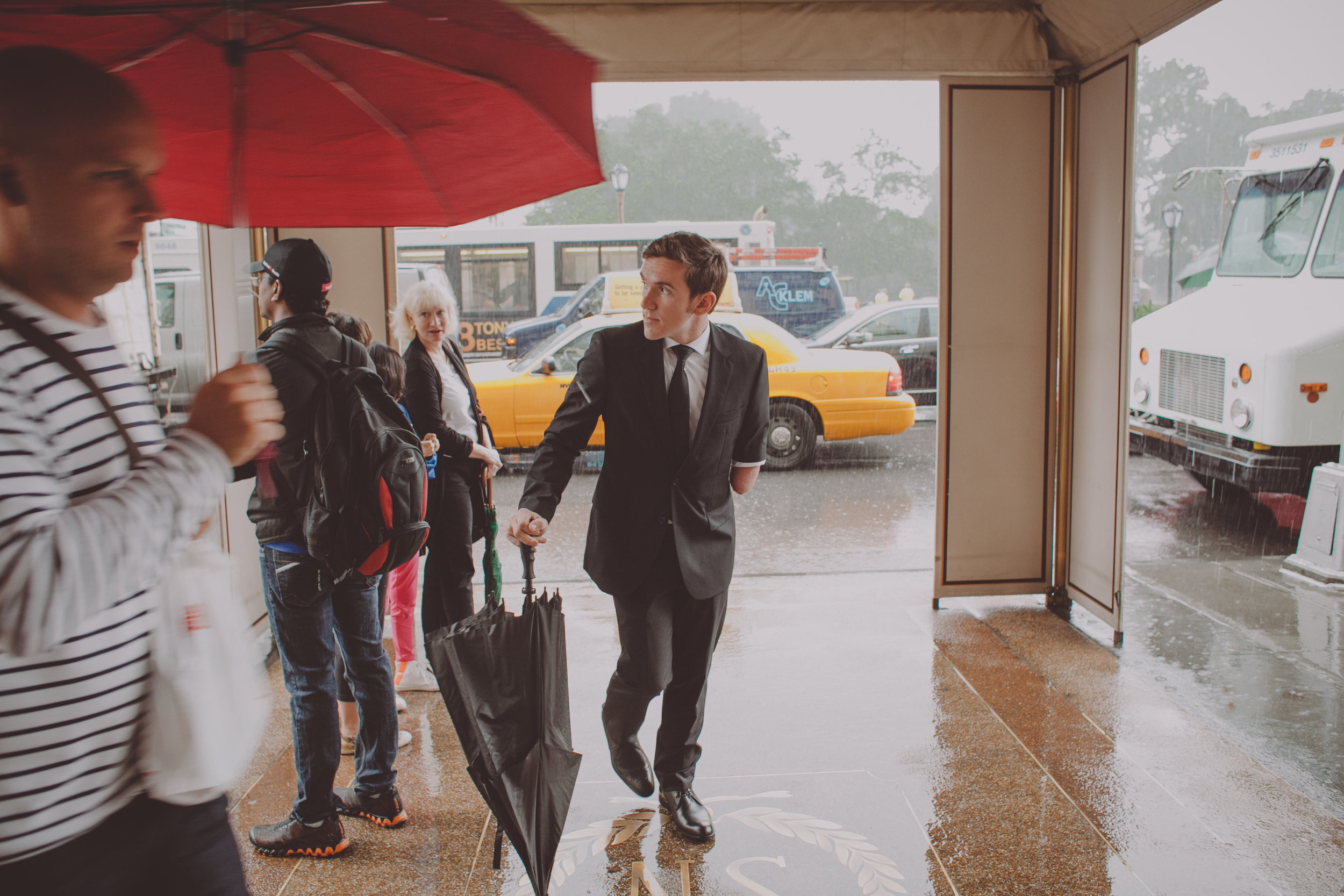Central_Park_Rainy_Wedding_NYC_E422lopement.JPG