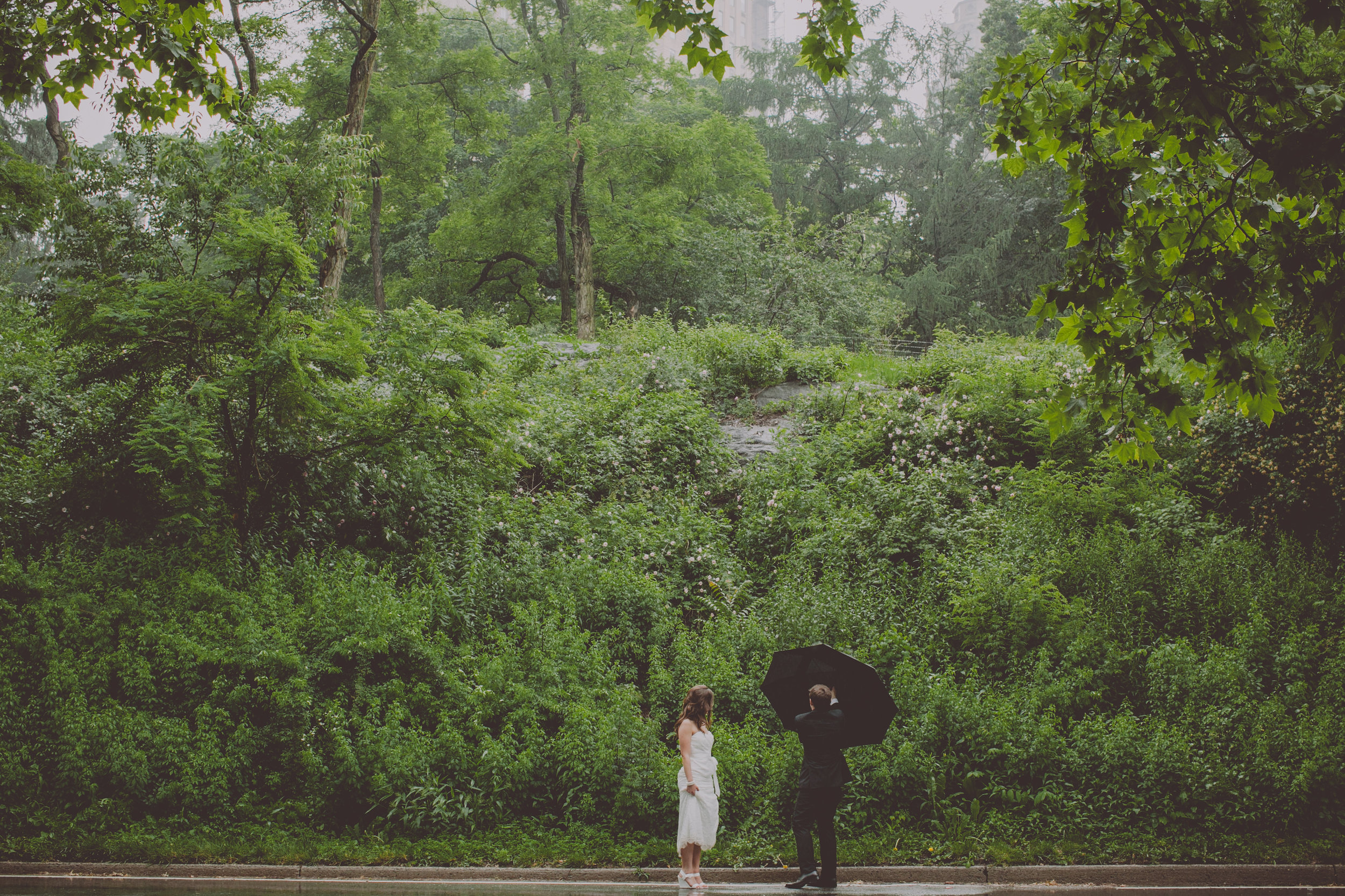 Central_Park_Rainy_Wedding_NYC_E439lopement.JPG
