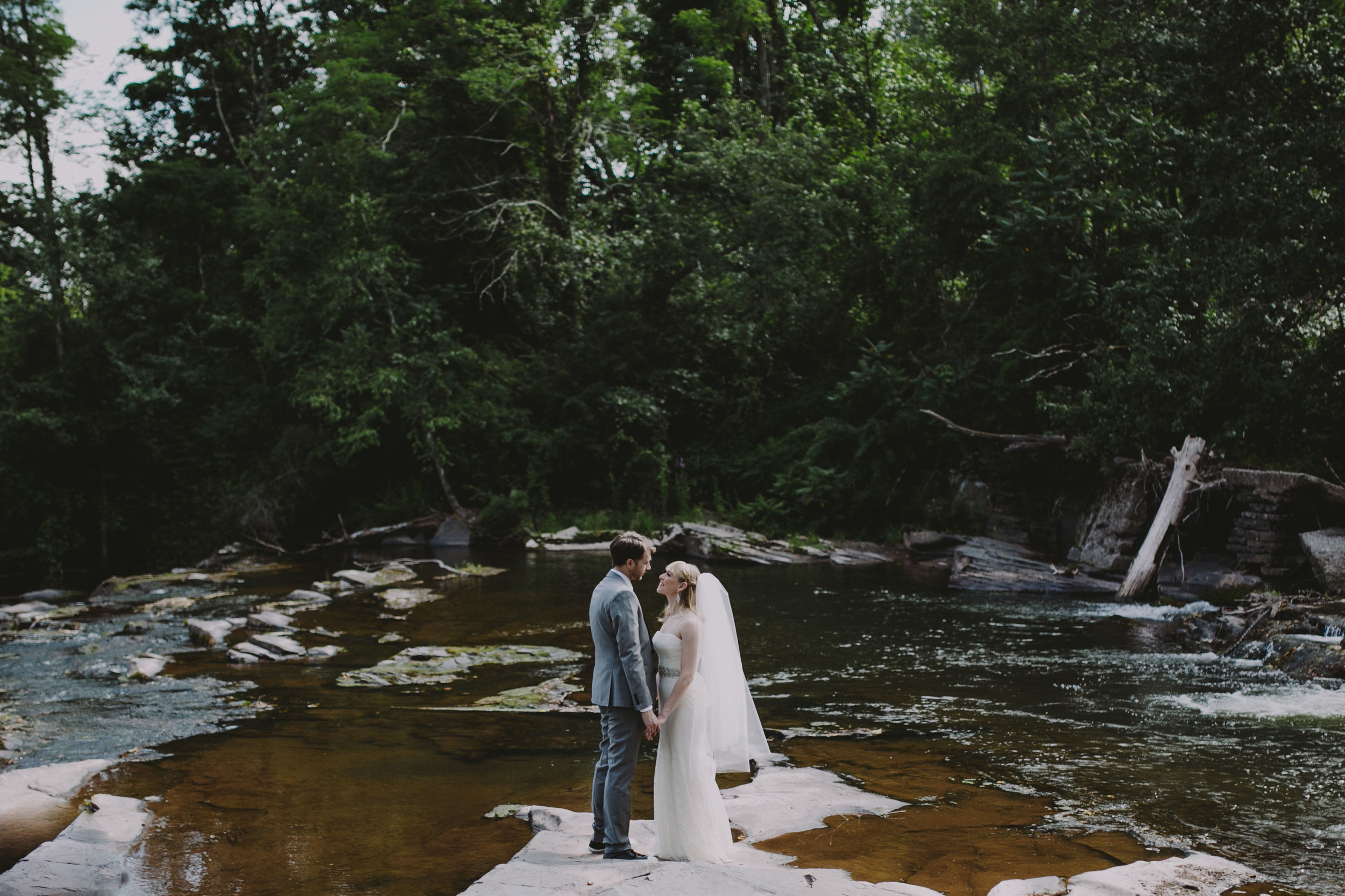 THE_KAATERSKILL_WEDDING-293.jpg