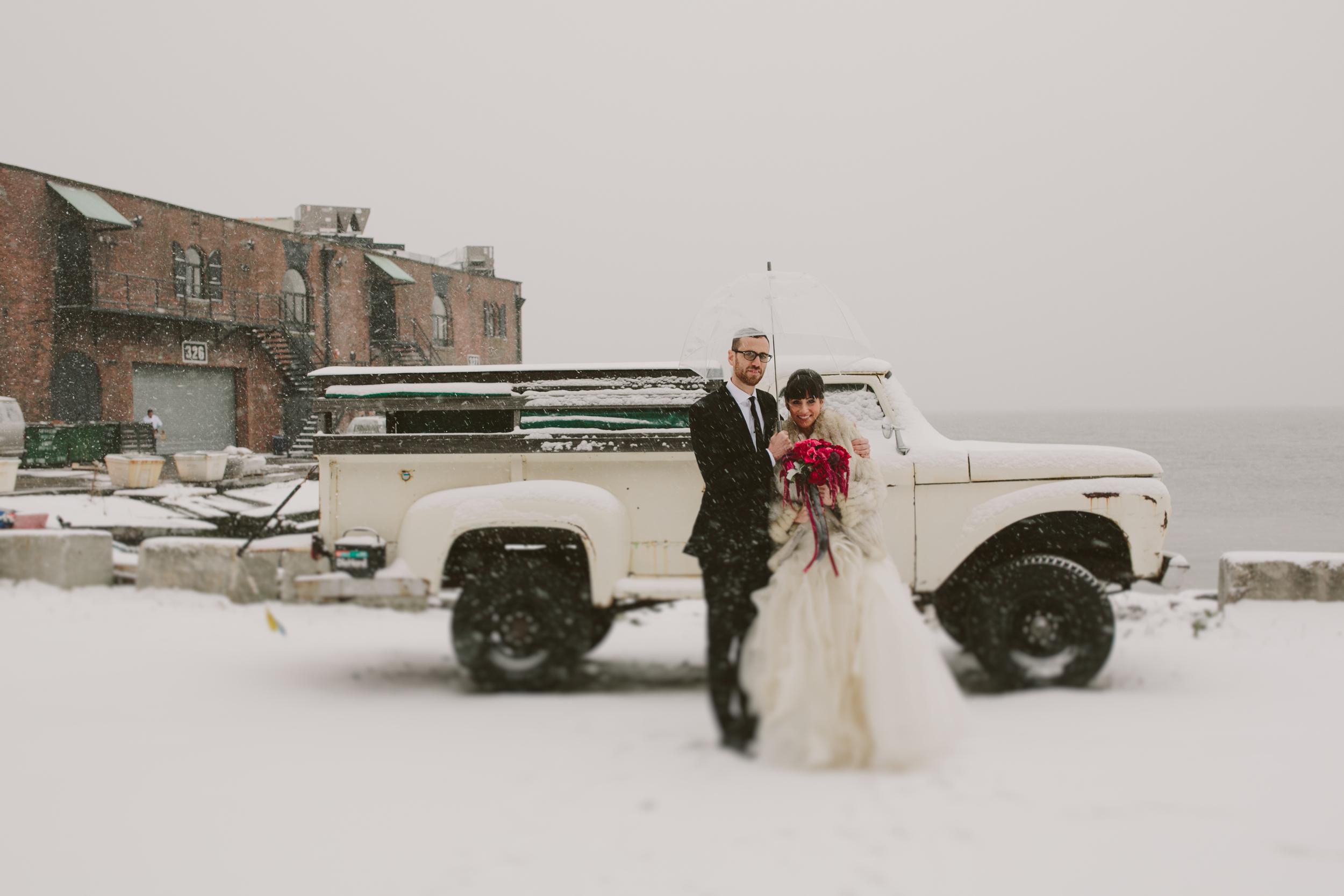snow_winter_wedding_nyc_chellisemichaelphotography-1000.jpg