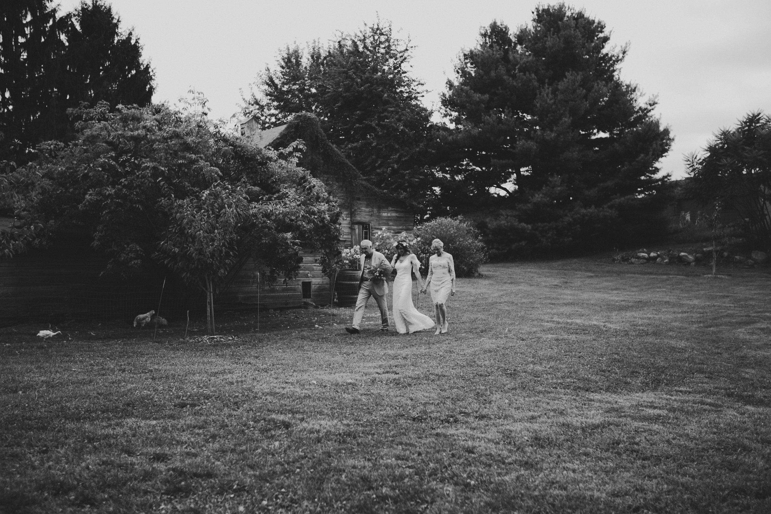 LIBERTY_VIEW_FARM_HIGHLAND_NY_WEDDING_CHELLISE_MICHAEL_PHOTOGRAPHY828.JPG