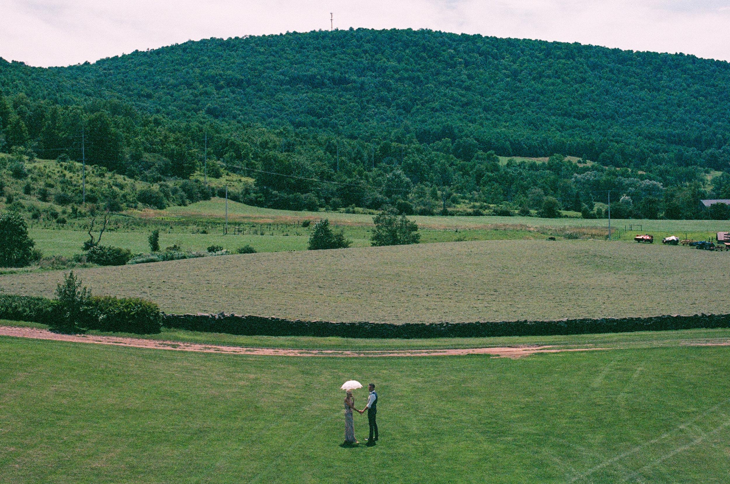 MAPLE_SHADE_FARM_FILM_WEDDING-252.jpg