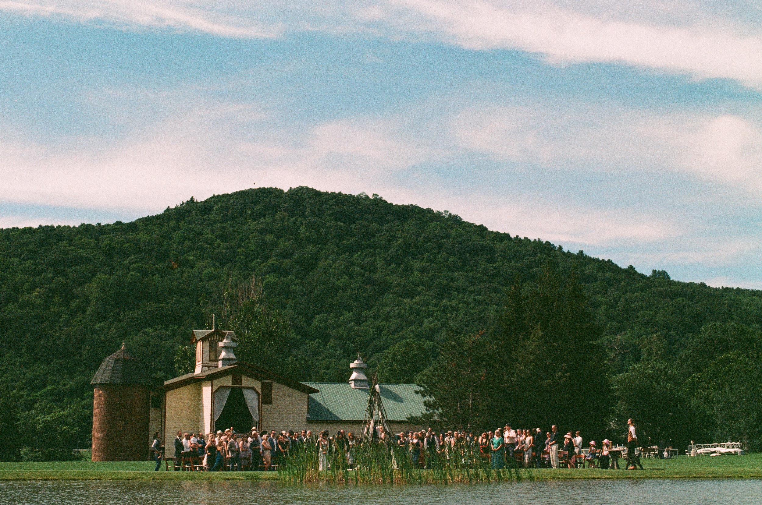 MAPLE_SHADE_FARM_FILM_WEDDING-291.jpg
