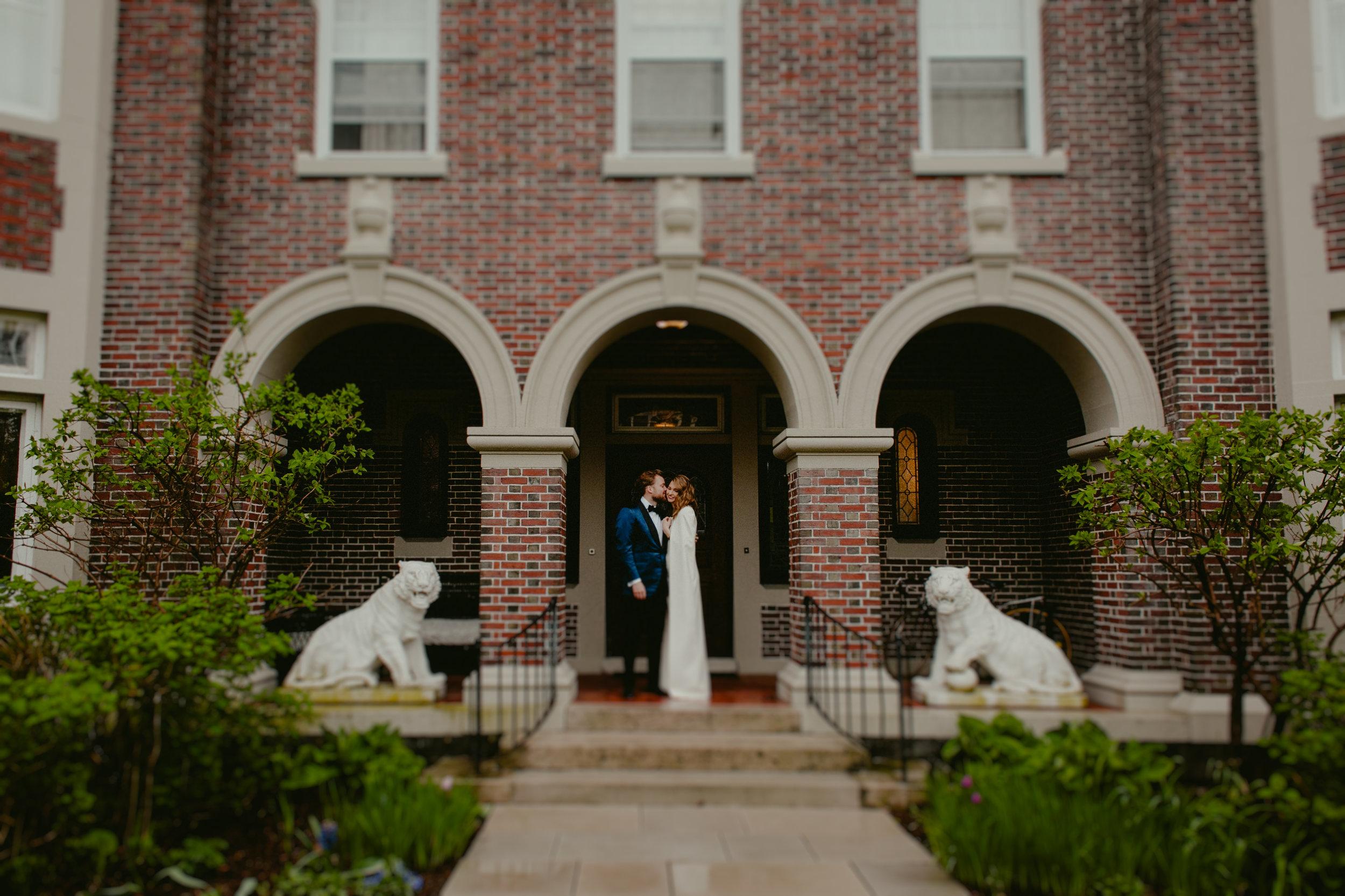 Tiger_House_The_Inn_at_Hudson-Wedding_Chellise_Michael_Photography-318.jpg