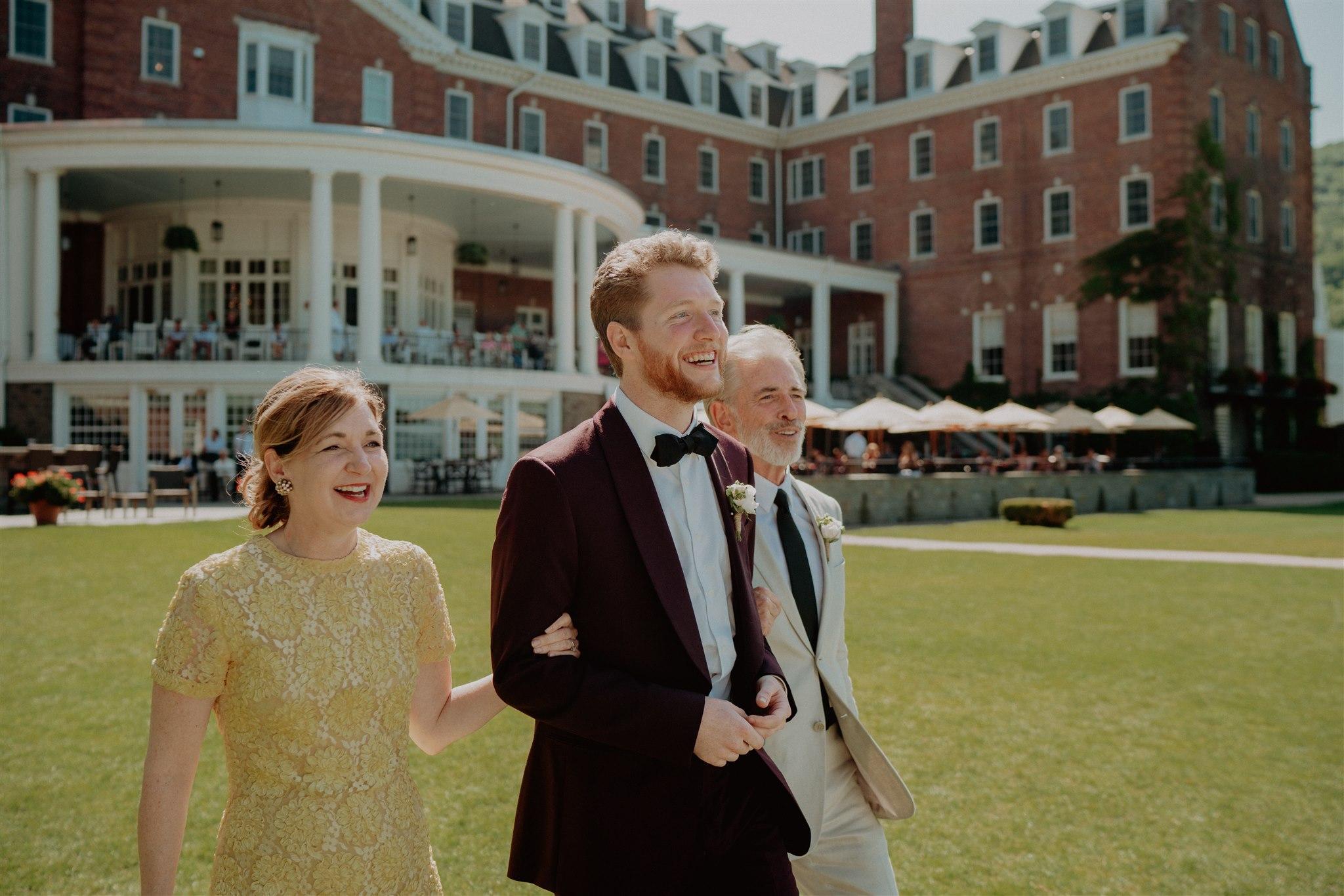 Chellise_Michael_Photography_Hudson_Valley_Wedding_Photographer_Otesaga_Hotel-3044.jpg