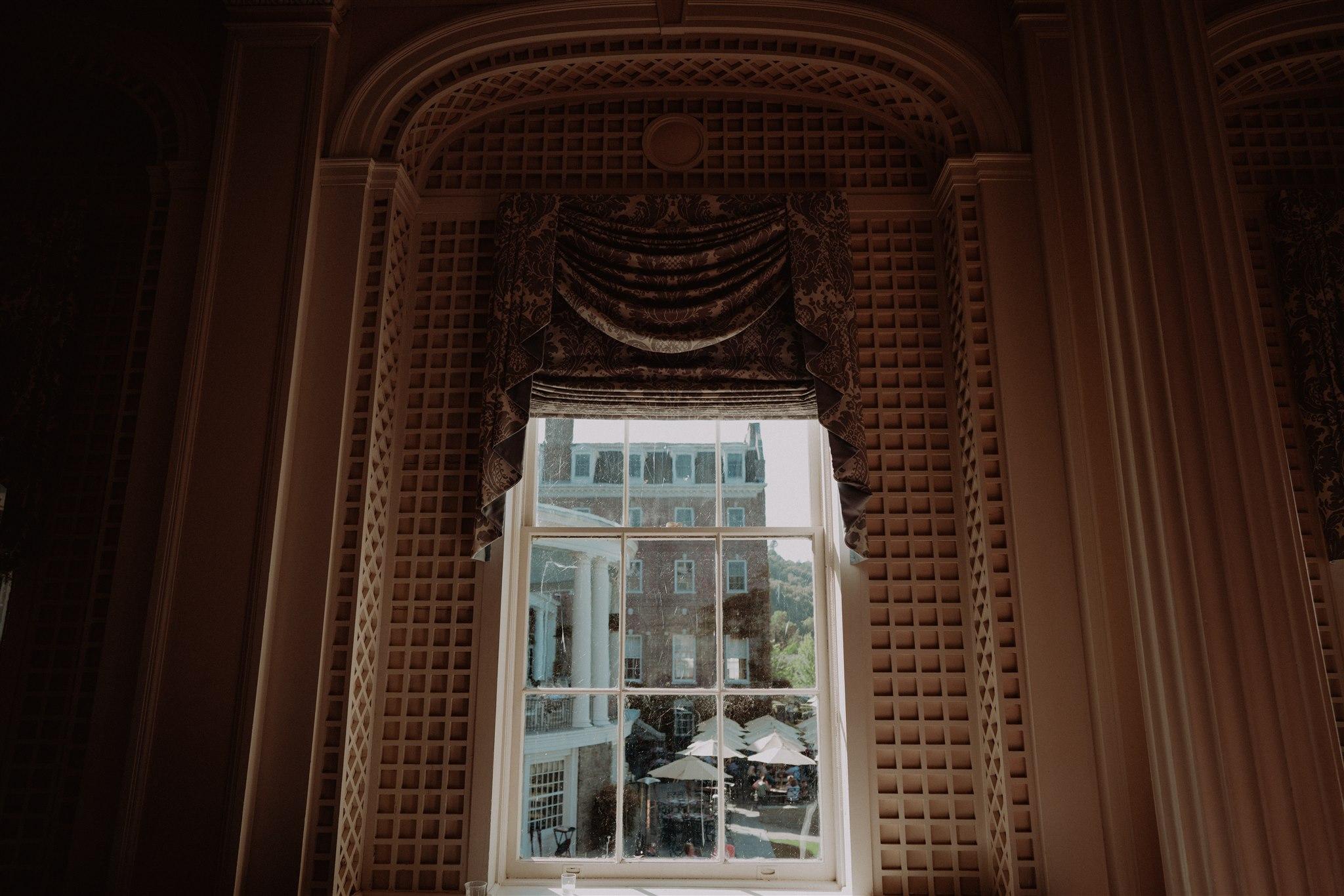 Chellise_Michael_Photography_Hudson_Valley_Wedding_Photographer_Otesaga_Hotel-4086.jpg