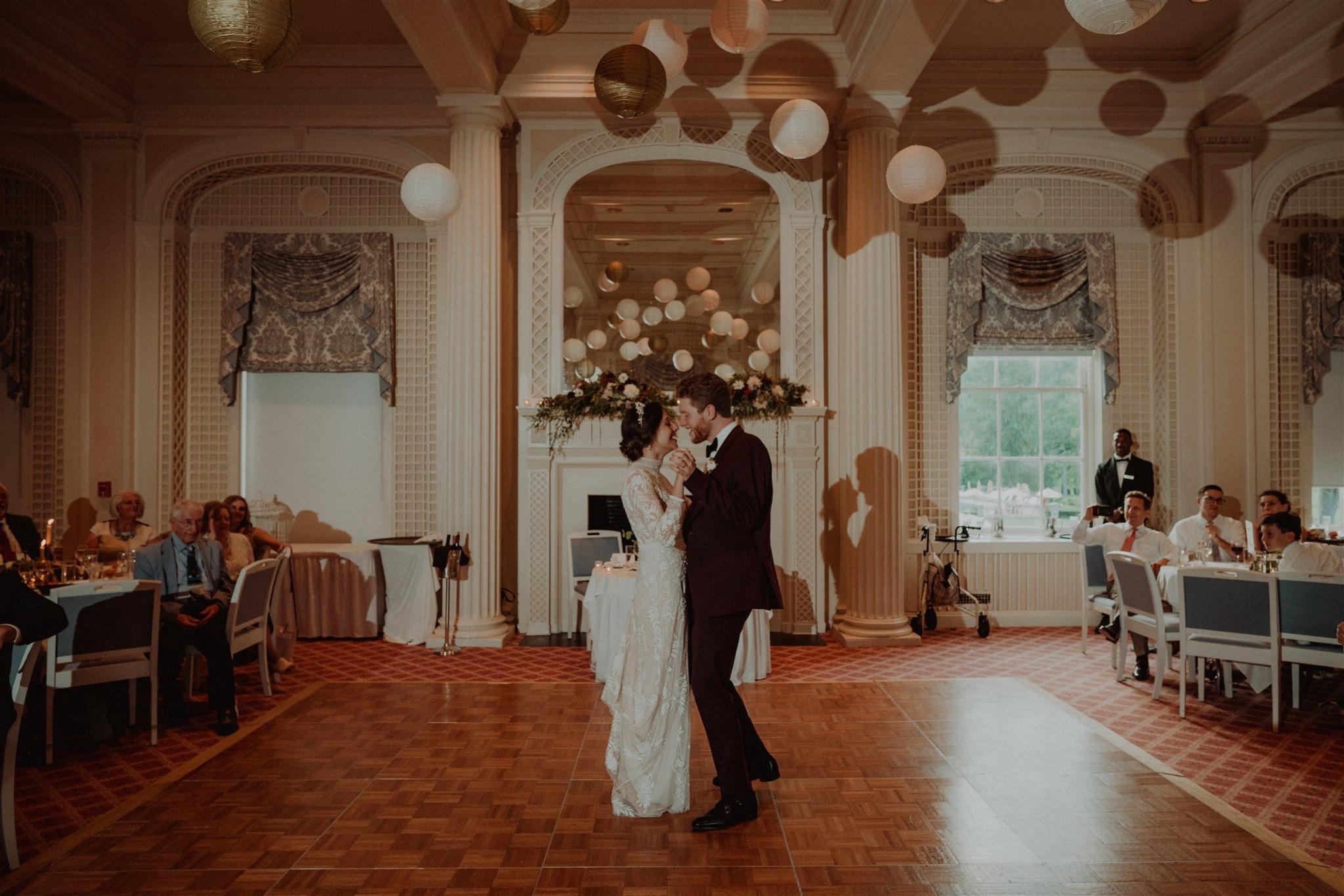 Chellise_Michael_Photography_Hudson_Valley_Wedding_Photographer_Otesaga_Hotel-6003.jpg