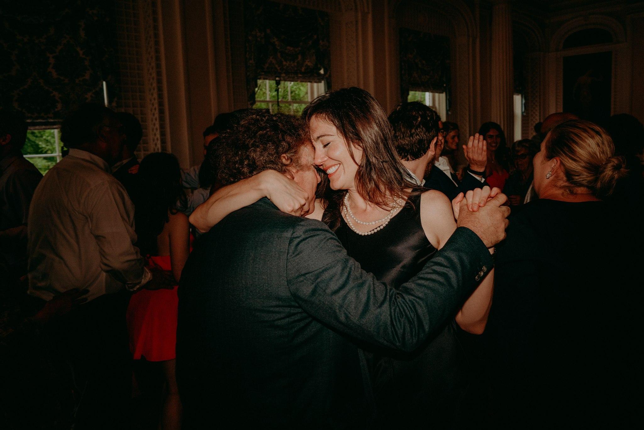 Chellise_Michael_Photography_Hudson_Valley_Wedding_Photographer_Otesaga_Hotel-6062.jpg