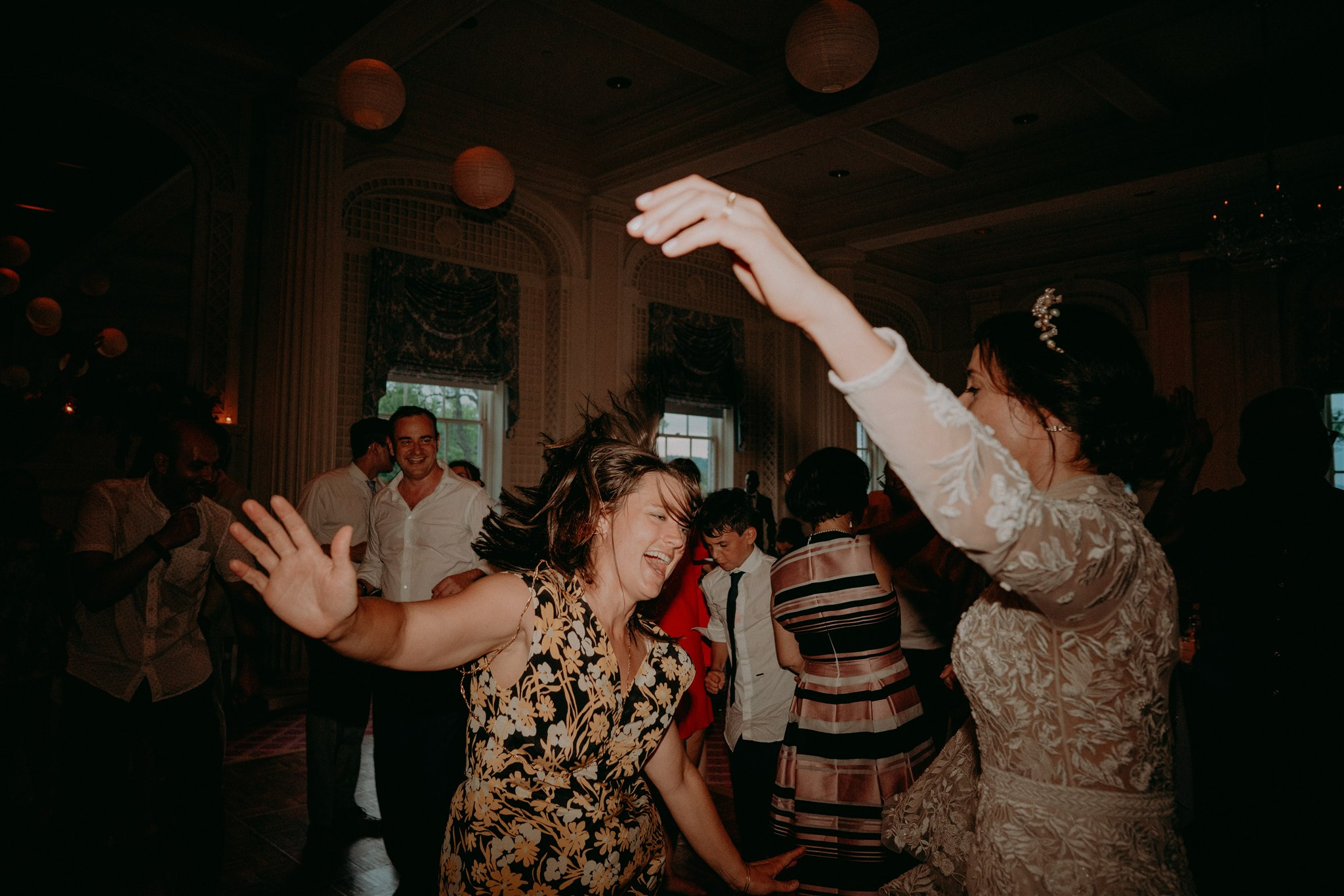 Chellise_Michael_Photography_Hudson_Valley_Wedding_Photographer_Otesaga_Hotel-6114.jpg