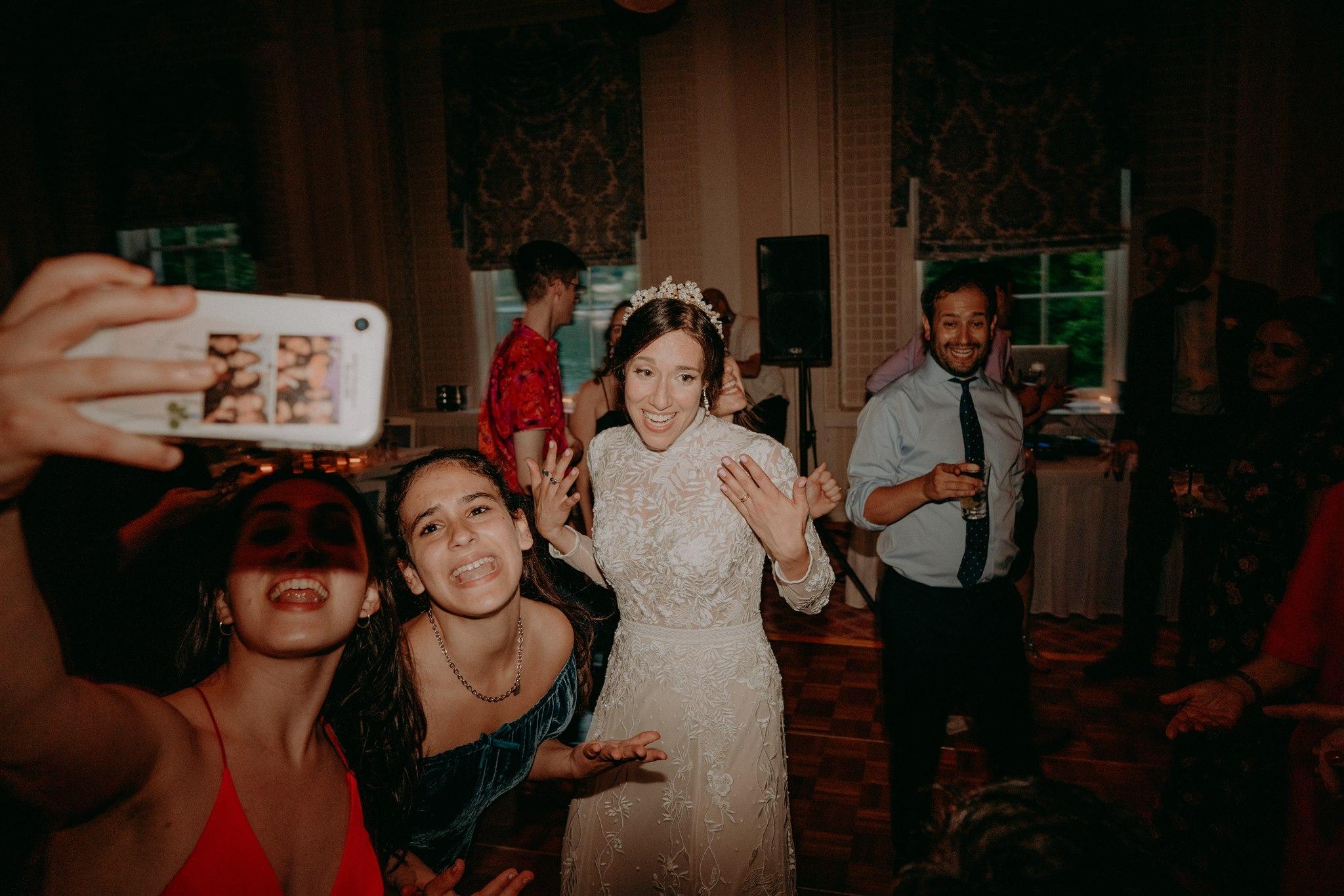 Chellise_Michael_Photography_Hudson_Valley_Wedding_Photographer_Otesaga_Hotel-6133.jpg