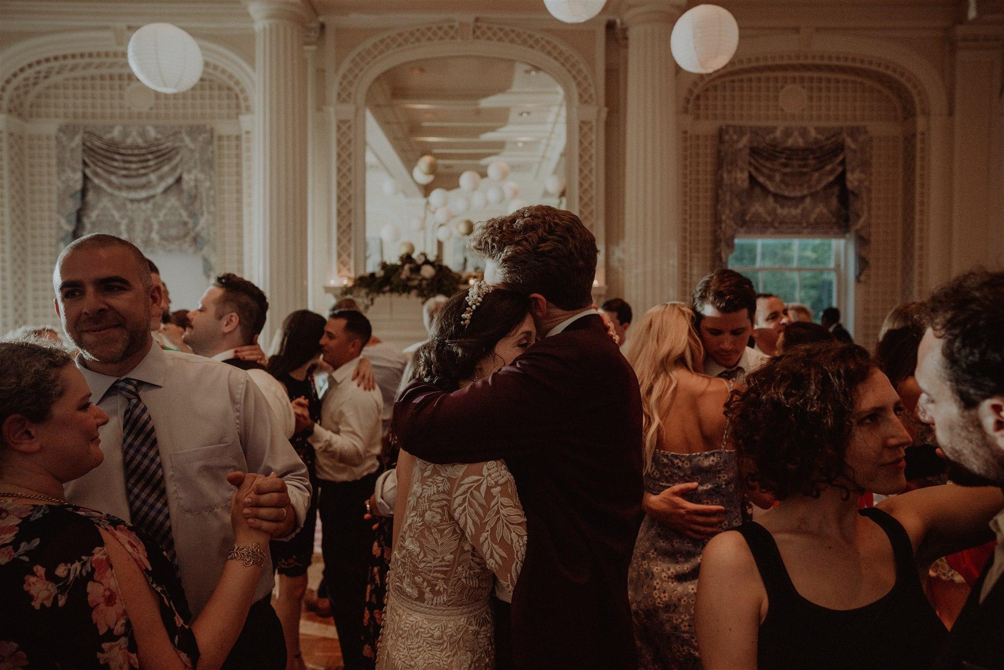 Chellise_Michael_Photography_Hudson_Valley_Wedding_Photographer_Otesaga_Hotel-6185.jpg