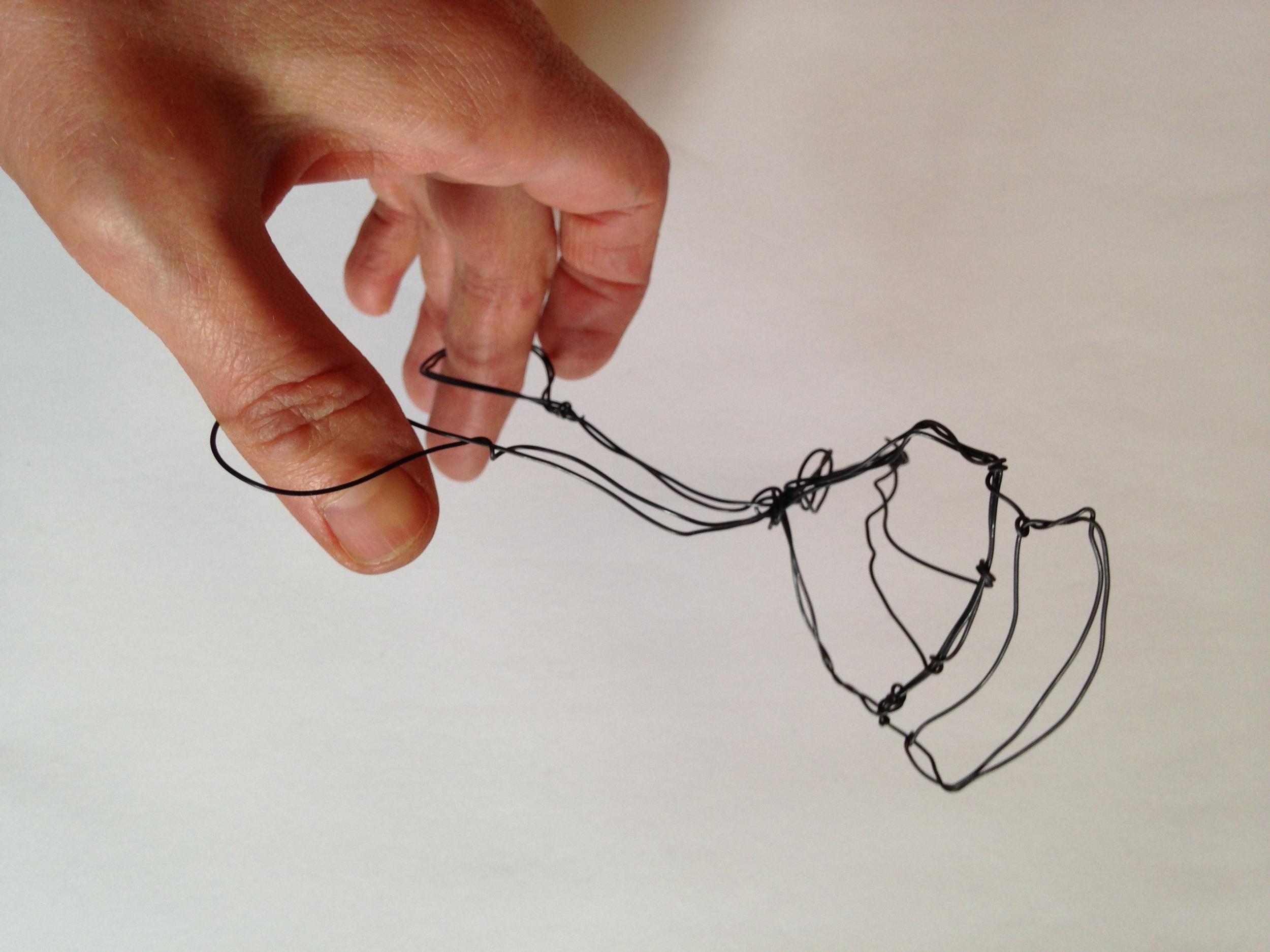 wire_eyelash_curlers1.JPG