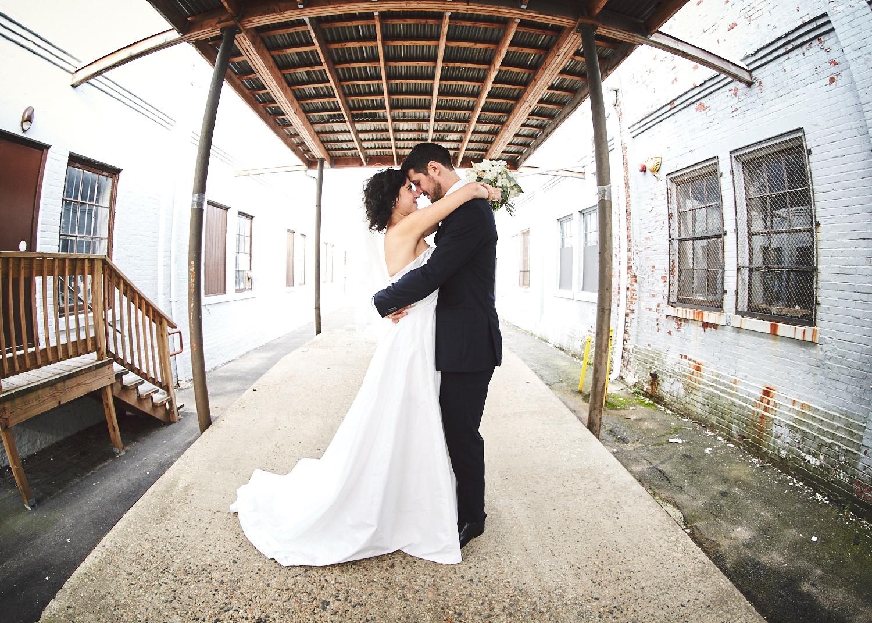 161029_TheLoadingDockWedding_CT_WeddingPhotography_By_BriJohnsonWeddings0019.jpg