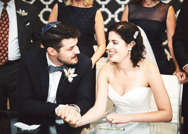 161029_TheLoadingDockWedding_CT_WeddingPhotography_By_BriJohnsonWeddings0029.jpg