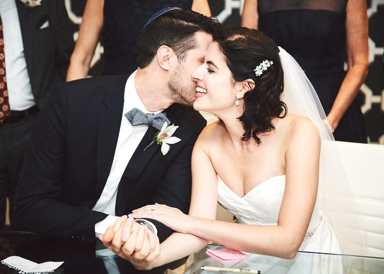 161029_TheLoadingDockWedding_CT_WeddingPhotography_By_BriJohnsonWeddings0030.jpg