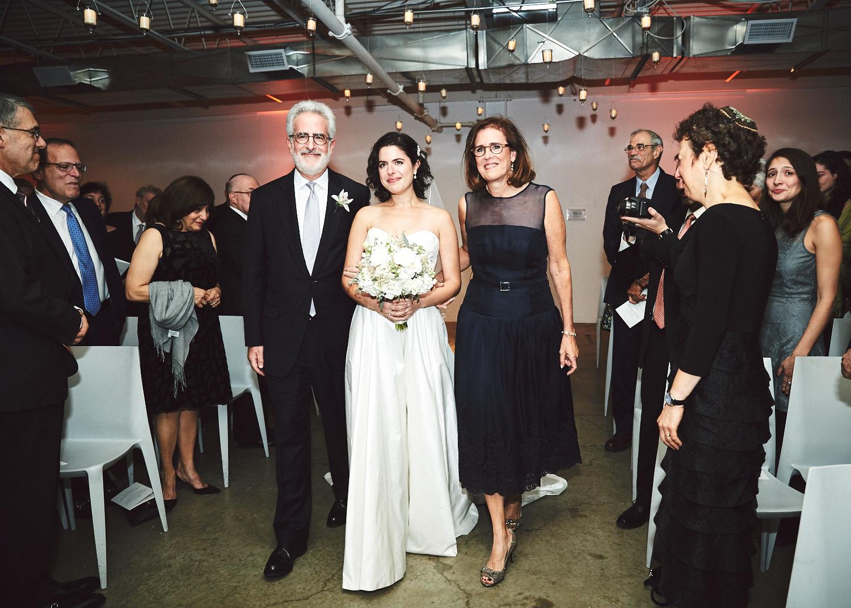 161029_TheLoadingDockWedding_CT_WeddingPhotography_By_BriJohnsonWeddings0038.jpg