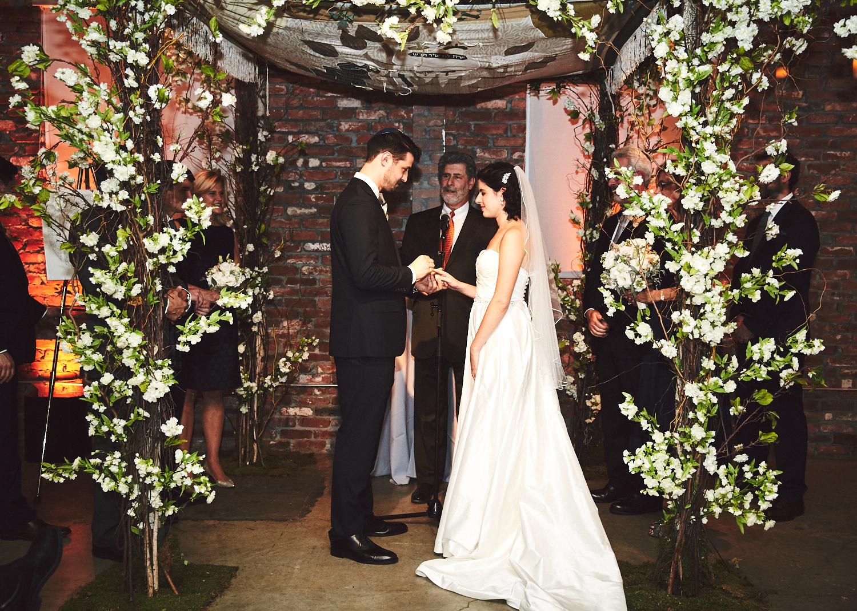 161029_TheLoadingDockWedding_CT_WeddingPhotography_By_BriJohnsonWeddings0040.jpg